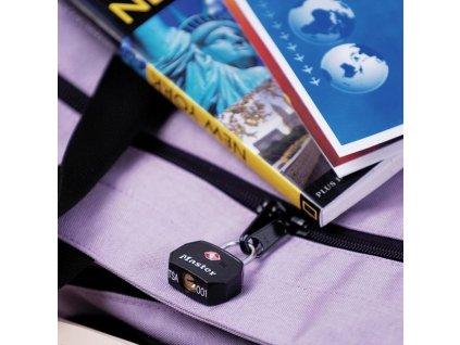 Master Lock Set 2 ks visacích zámků TSA 4681EURTBLK - černý