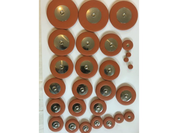 Bariton saxofon kožená sada podlepek (polštářků) s kovovými resonátory