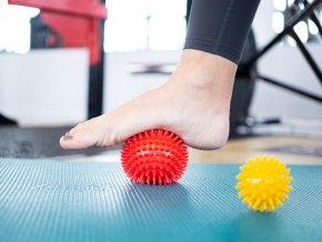 Kine-MAX Pro-Hedgehog Massage Ball - masážní míček ježek 6cm - modrý