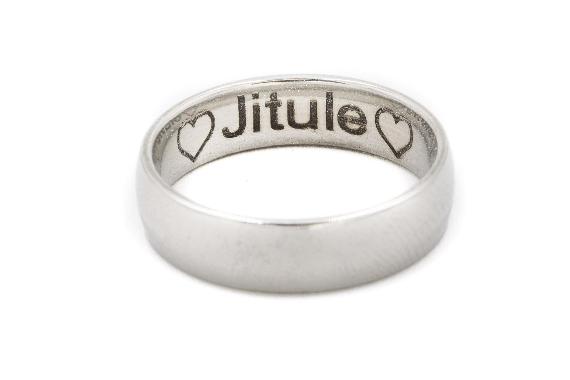 Prsten s věnováním
