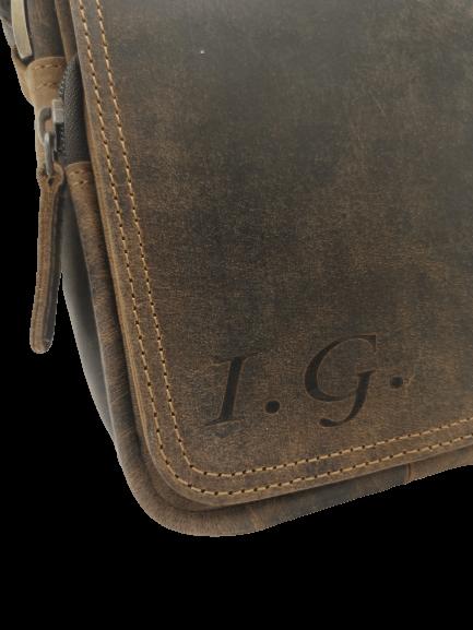 taška s monogramem