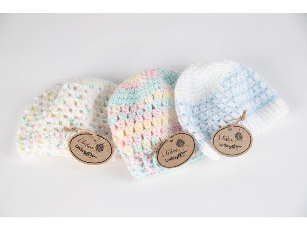 Čepičky pro novorozence