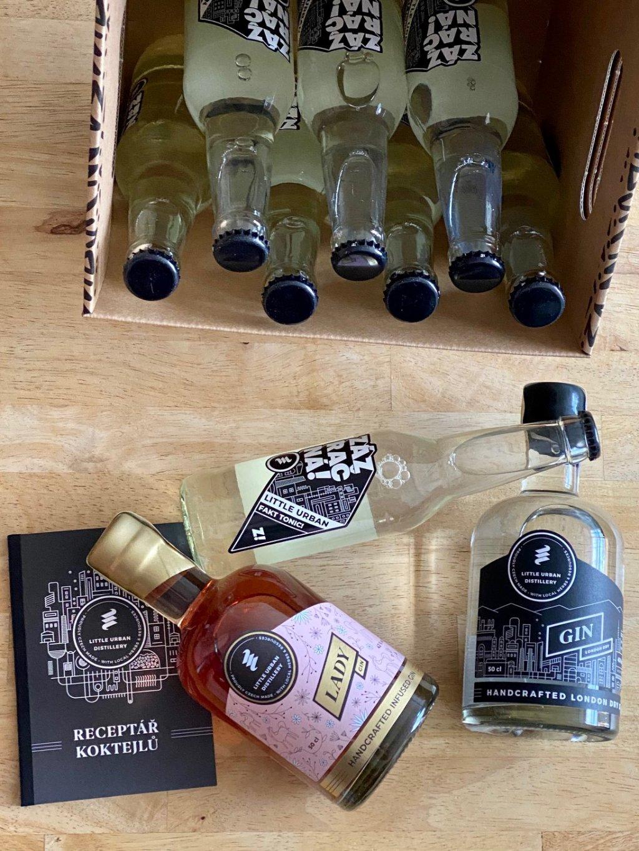 XXL Box Little Urban London Dry 50cl 43% a Lady Gin 50cl 43% 8 Fakt toniků a Dárek