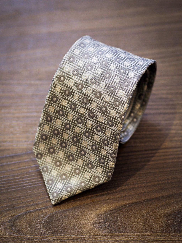Kravata světle šedá s drobným vzorem