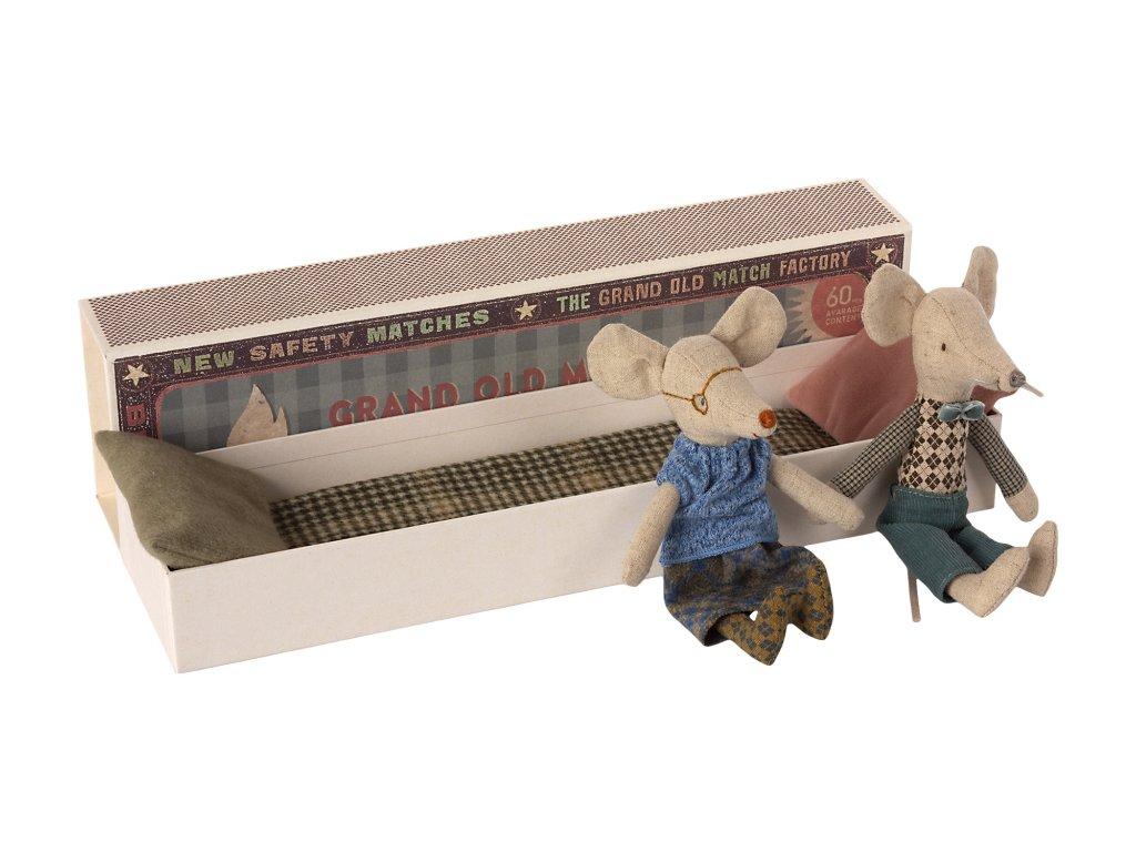 Maileg babička a dědeček v krabičce