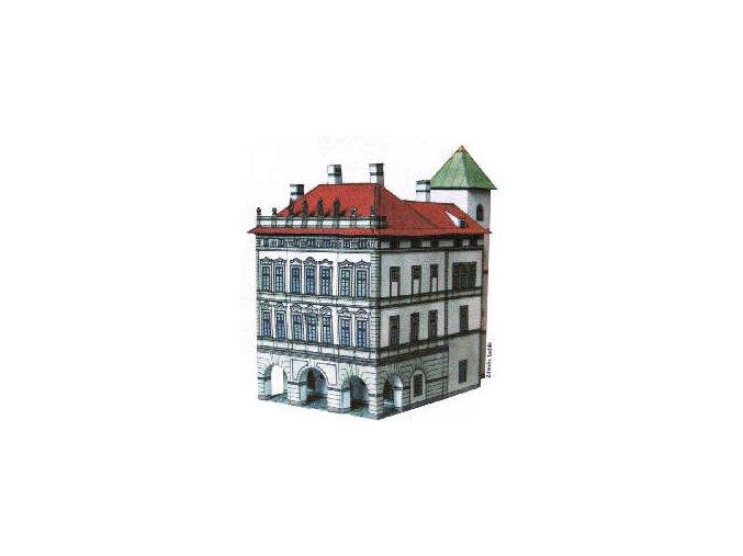 Kaiserštejnský palác + dlažba, hliněný povrch, popínavé rostliny