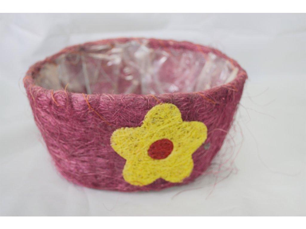 Červený košík s květinou - Bazar