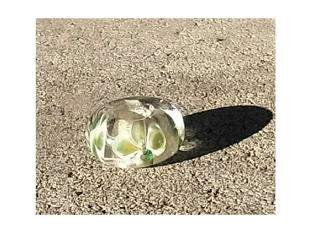 Skleněná perla čtyřlístek