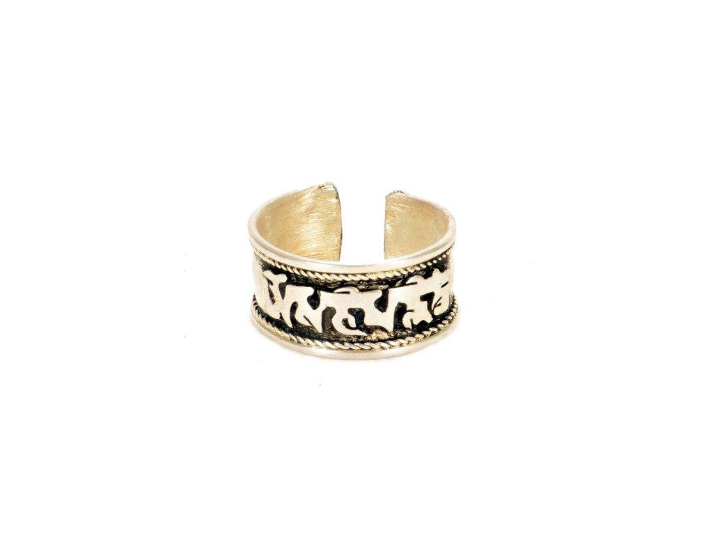 prsten s mantrou