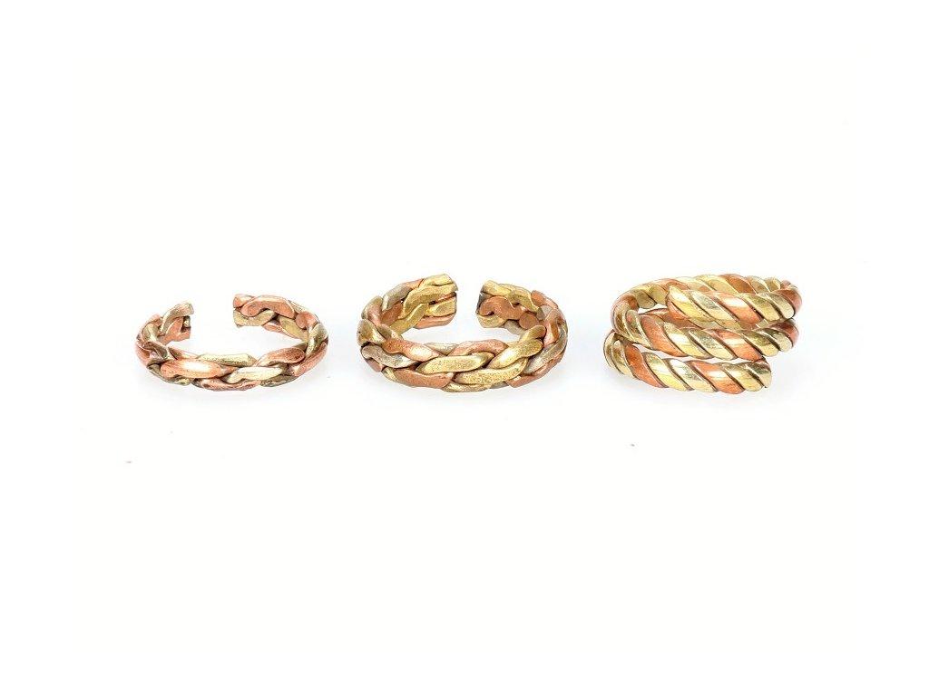 prsten a b c