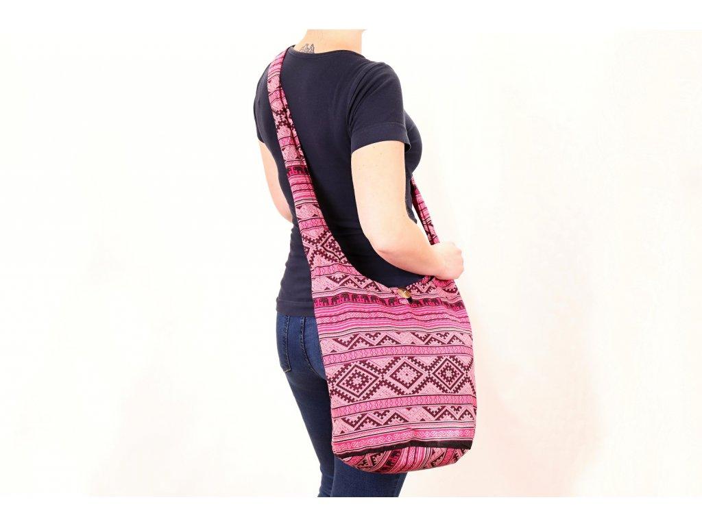 taska ruzova etno