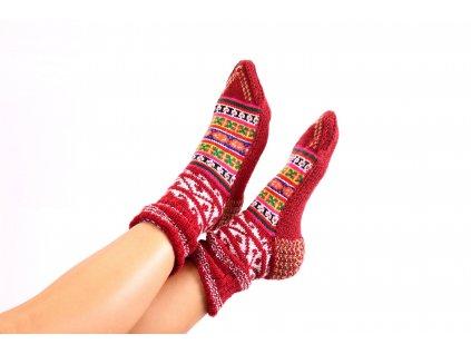 Vlněné ponožky ze Spiti  - karmínové variace