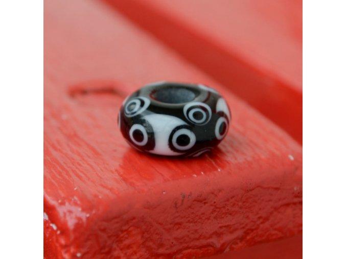 Skleněná perla tajemné oči