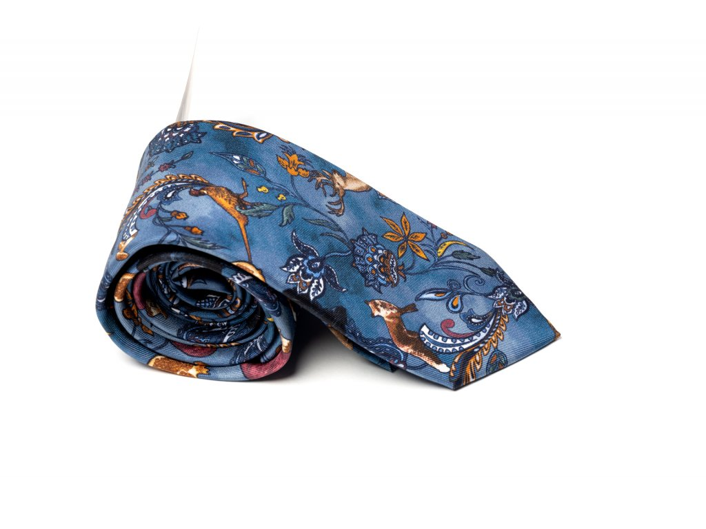 Modrá kravata s potiskem