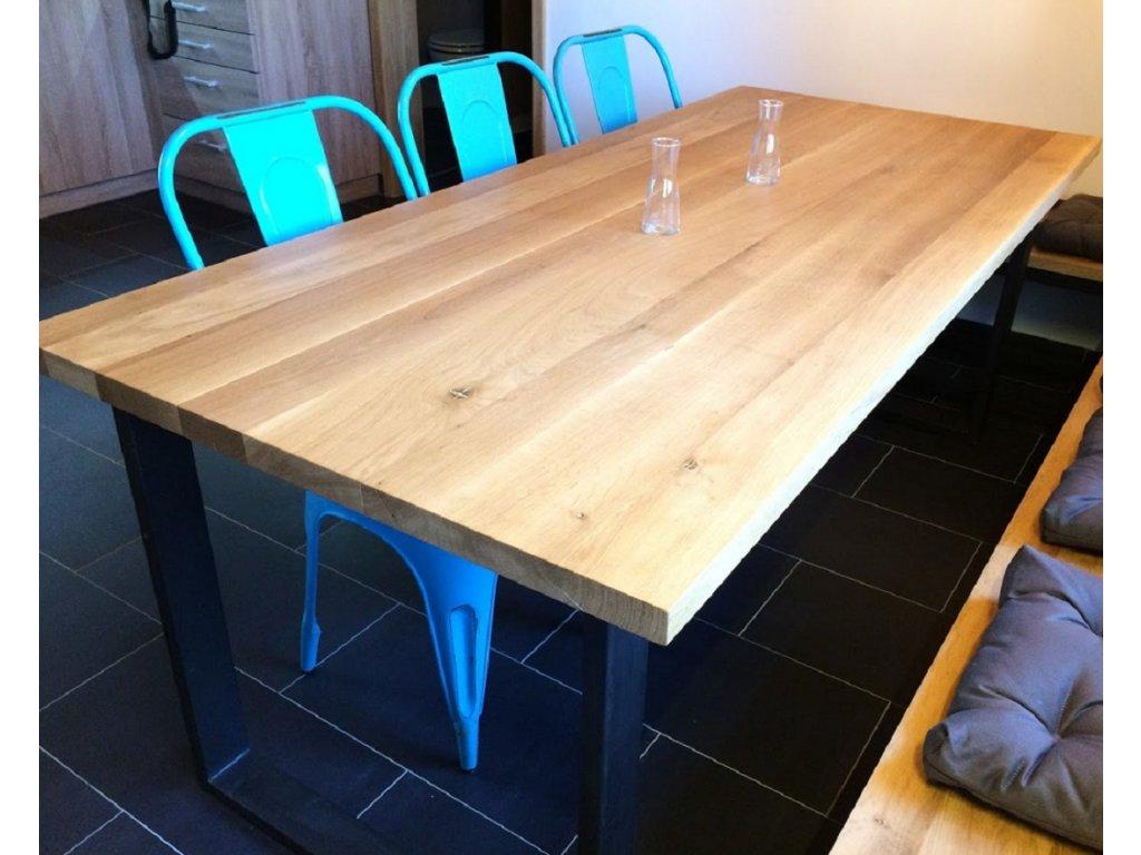 Dubový stůl s kovovou podnoží