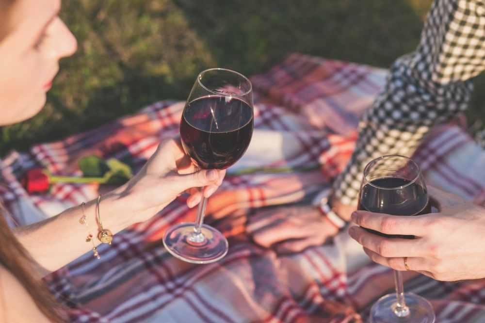 Alkohol a sex. Na co se připravit?