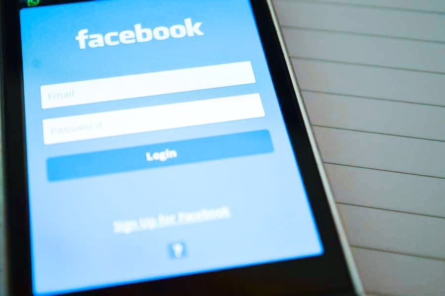 Návod na seznámení pomocí Facebooku
