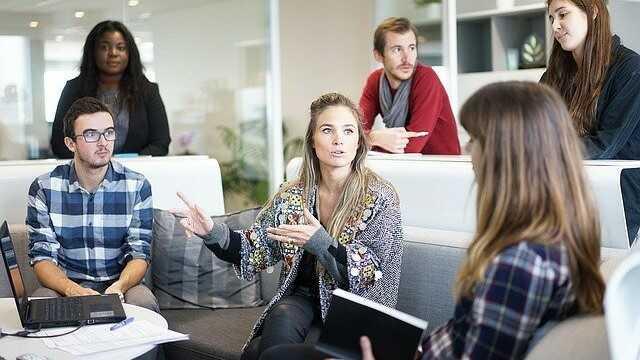 Jsou vztahy na pracovišti rozumné?