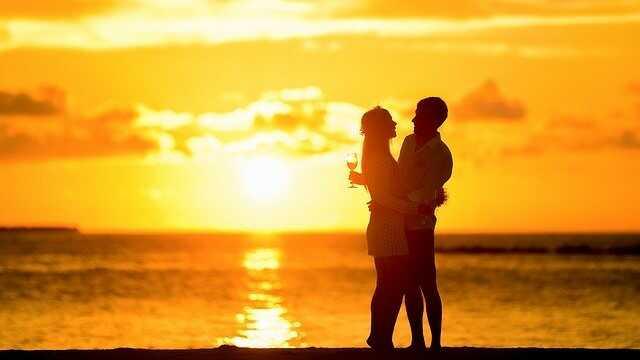Jak poznáte, že vás muž miluje?