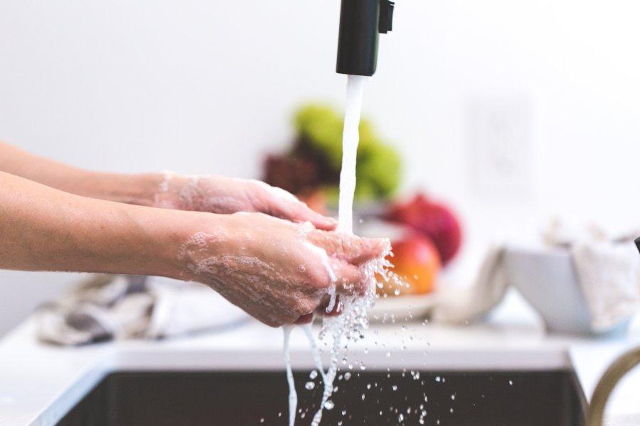 Jak umývat erotické hračky, abyste předešli infekci?