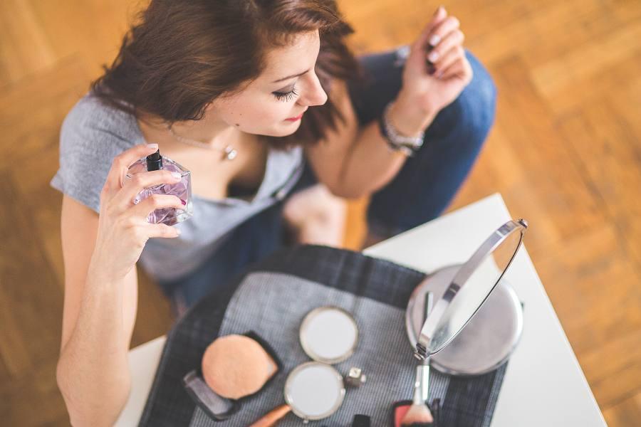 Jak používat parfémované feromony?