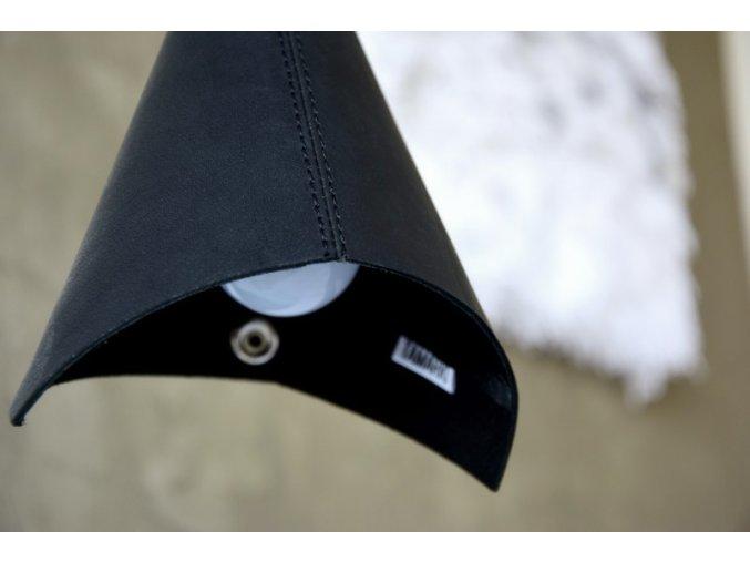 Kožené stínítko na světlo, černé matné č.1