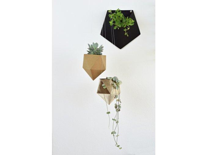 zavesny nastenny kvetinac design tamarki 25