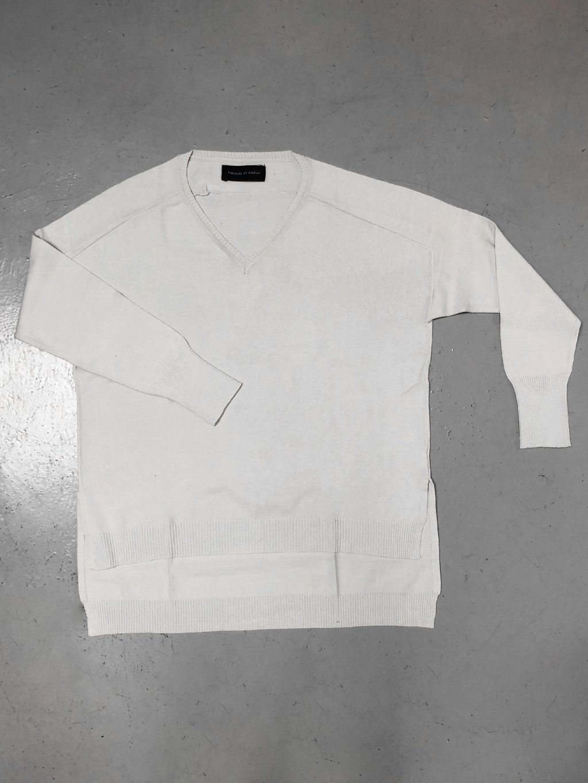 617E Široký svetr s malým véčkem