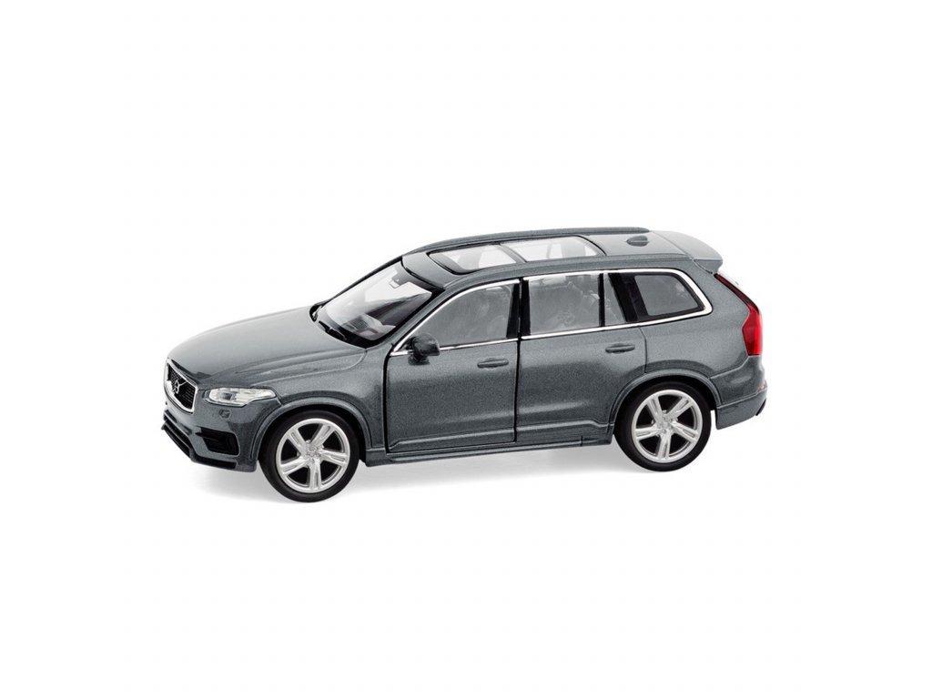 šedé volvo auto