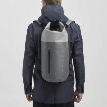 batoh šedý