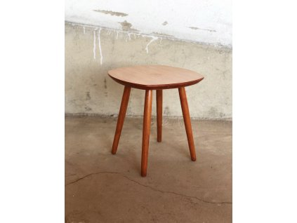 Kvetinovy stolek 1