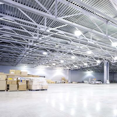 osvětlení průmyslové haly