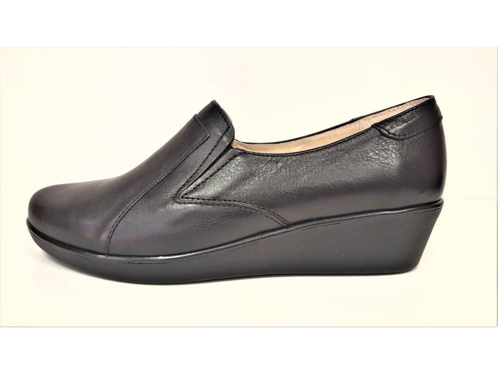 STEFANO - Dámská černá značková kožená obuv na klínku na širší nárt 2218