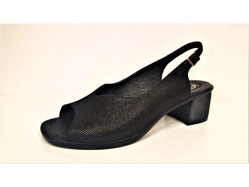 LETNÍ boty NA PODPATKU - Černé kožené páskové letní dámské sandály na nízkém podpatku STEFANO 3719