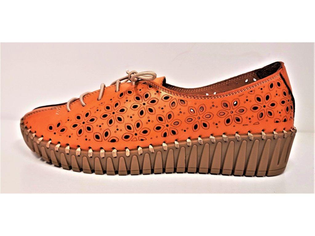 Dámské KOŽENÉ ZDRAVOTNÍ děrované polobotky na klínu MANITU 00850424 oranžové
