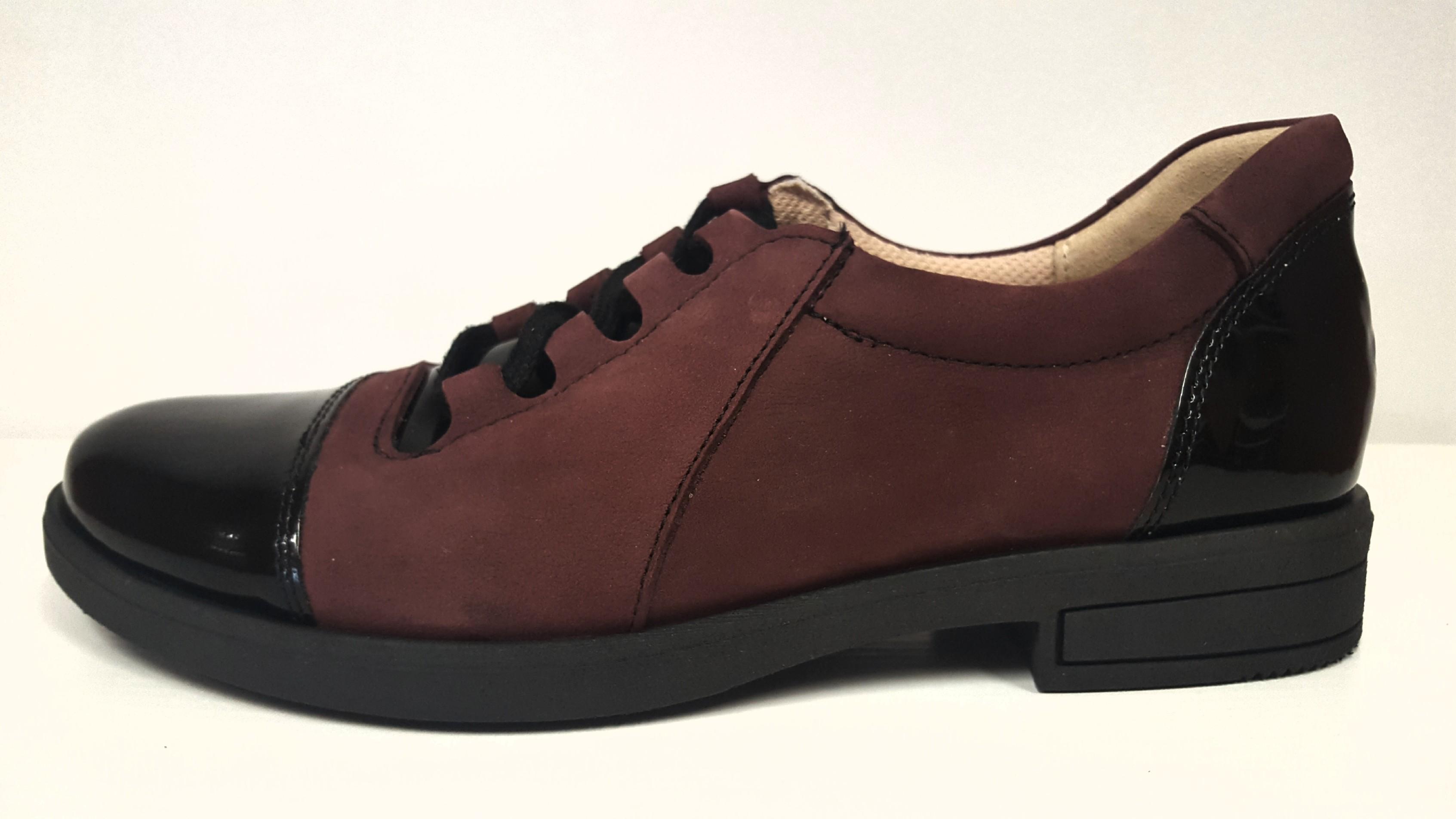 Dámská bordo kožená vycházková obuv na šněrování s nízkým podpatkem HUJO  J3340 Tabulka dámských velikostí  d1b356f5301