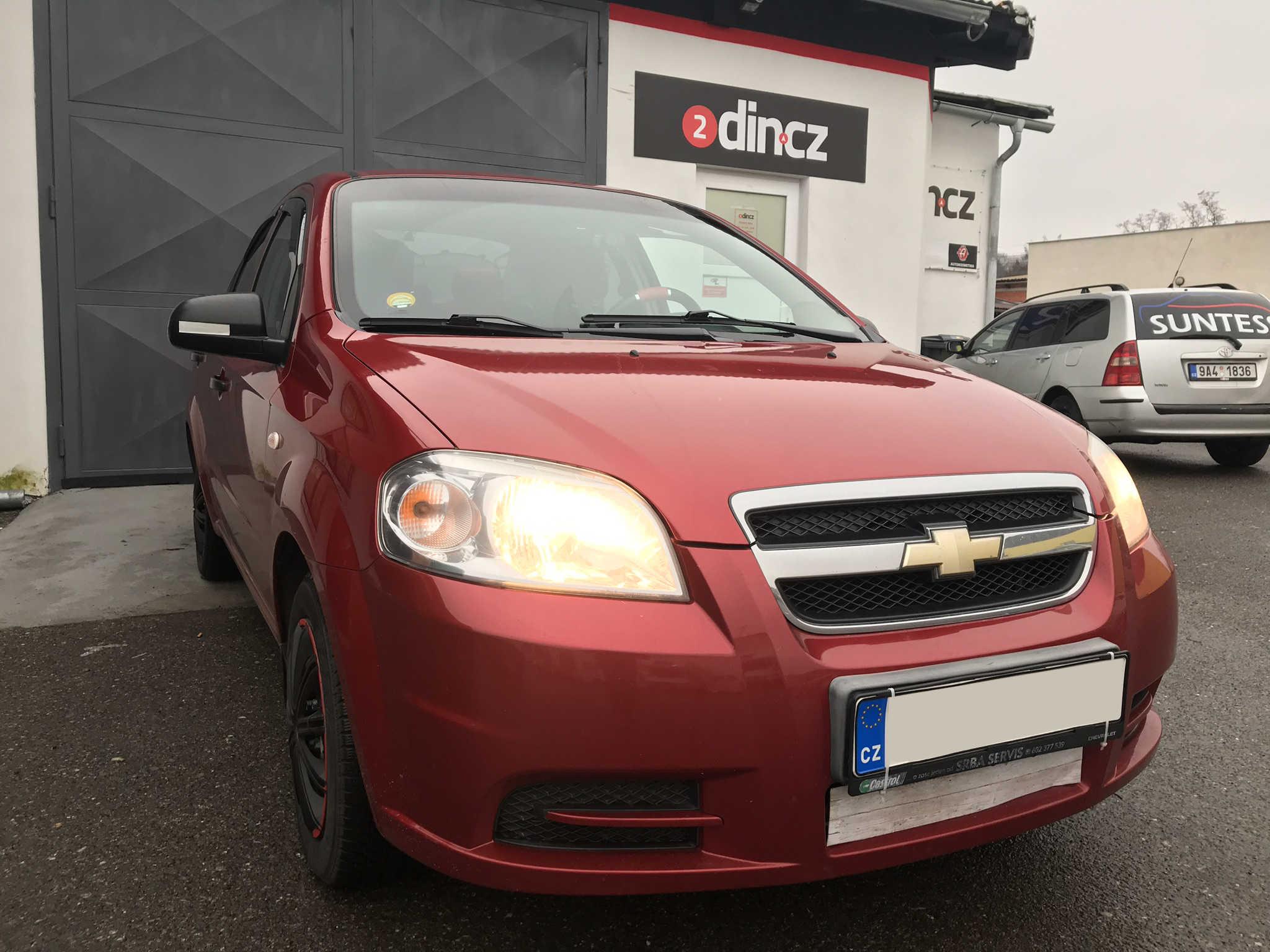 Chevrolet Aveo - Montáž 2din autorádia s LCD