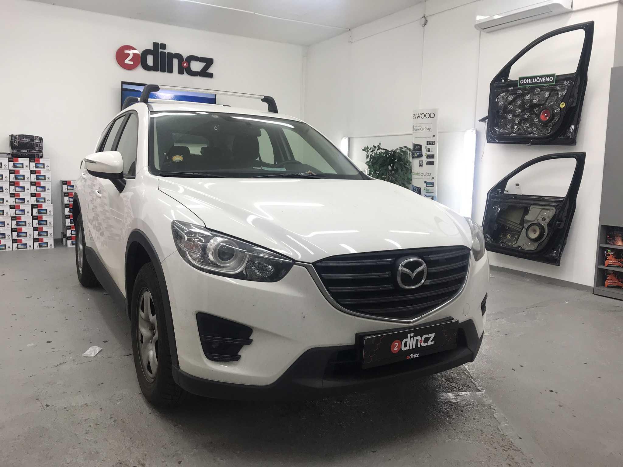 Mazda CX5 - Montáž 2din autorádia a couvací kamery