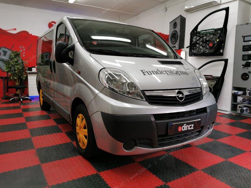 Opel Vivaro - Výměna autorádia a reproduktorů
