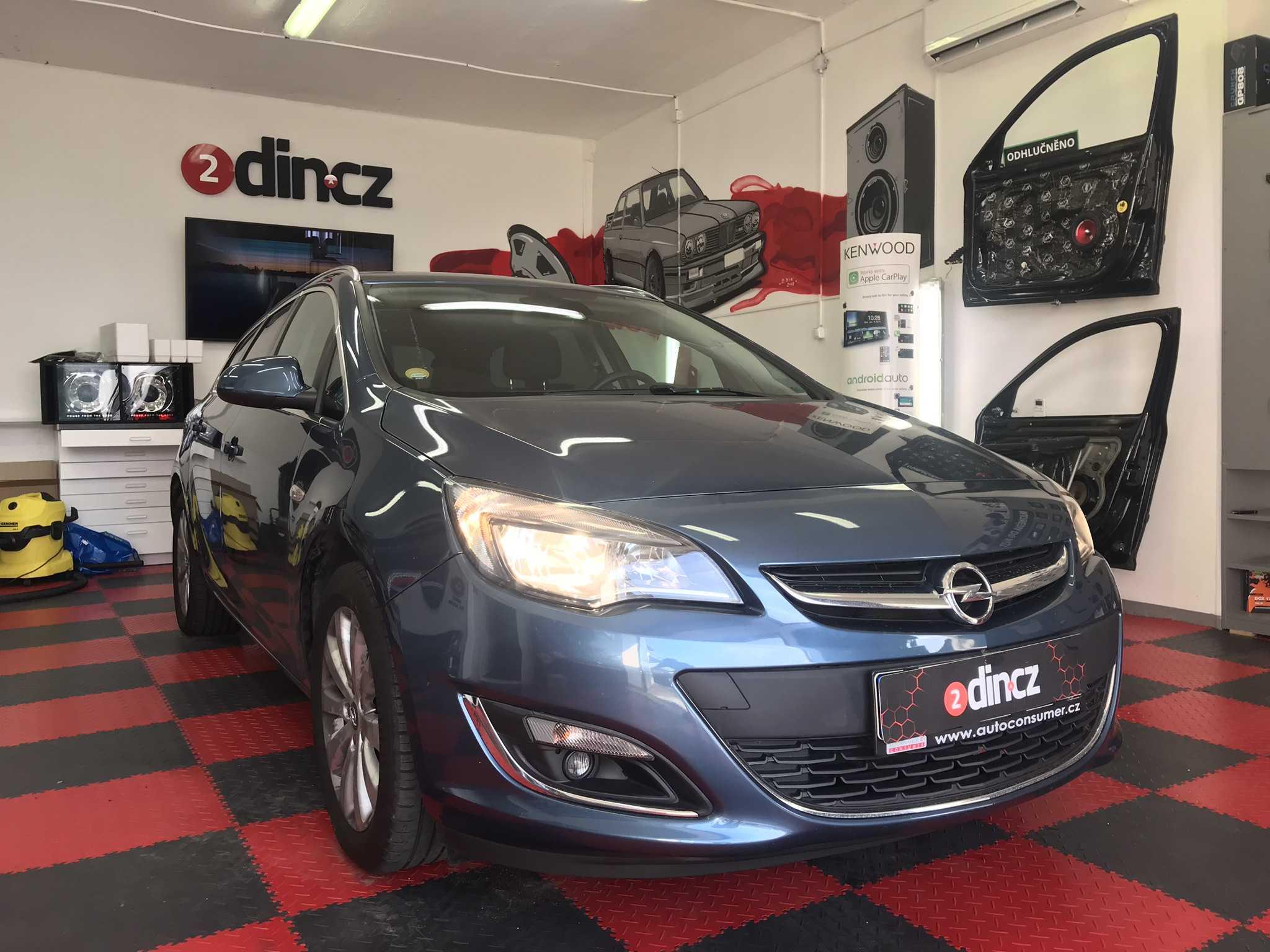 Opel Astra - Odhlučnění od hluku vozovky