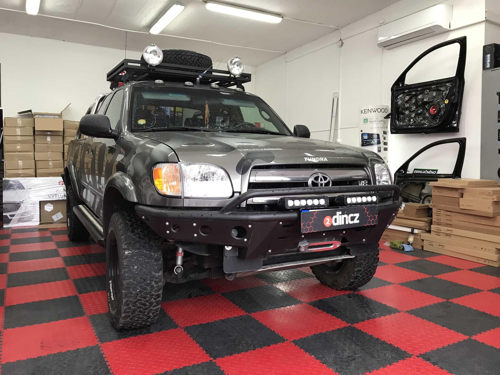 Toyota Tundra - Montáž 2din autorádia