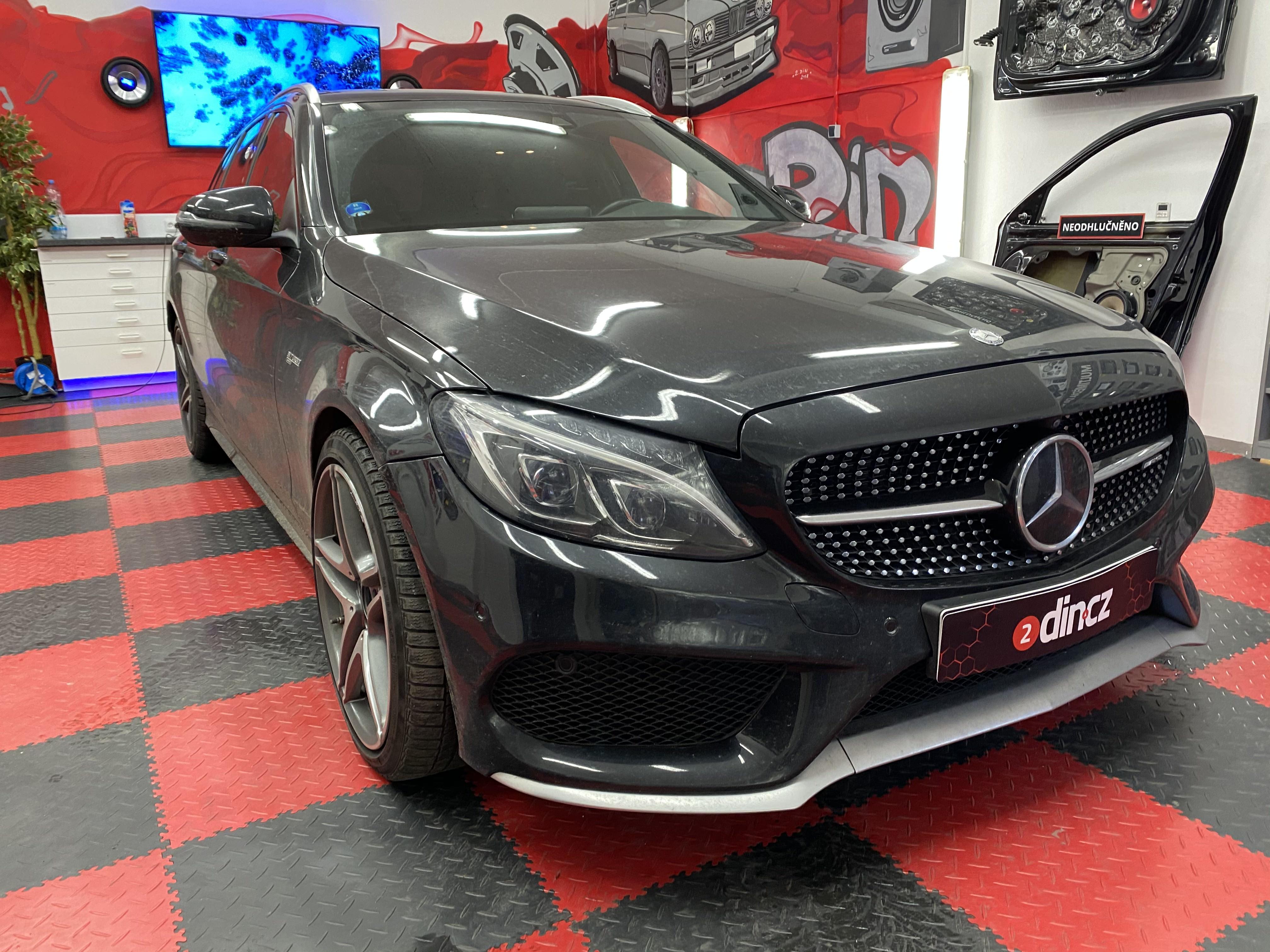 Mercedes Benz C AMG - Ozvučení a odhlučnění podlahy