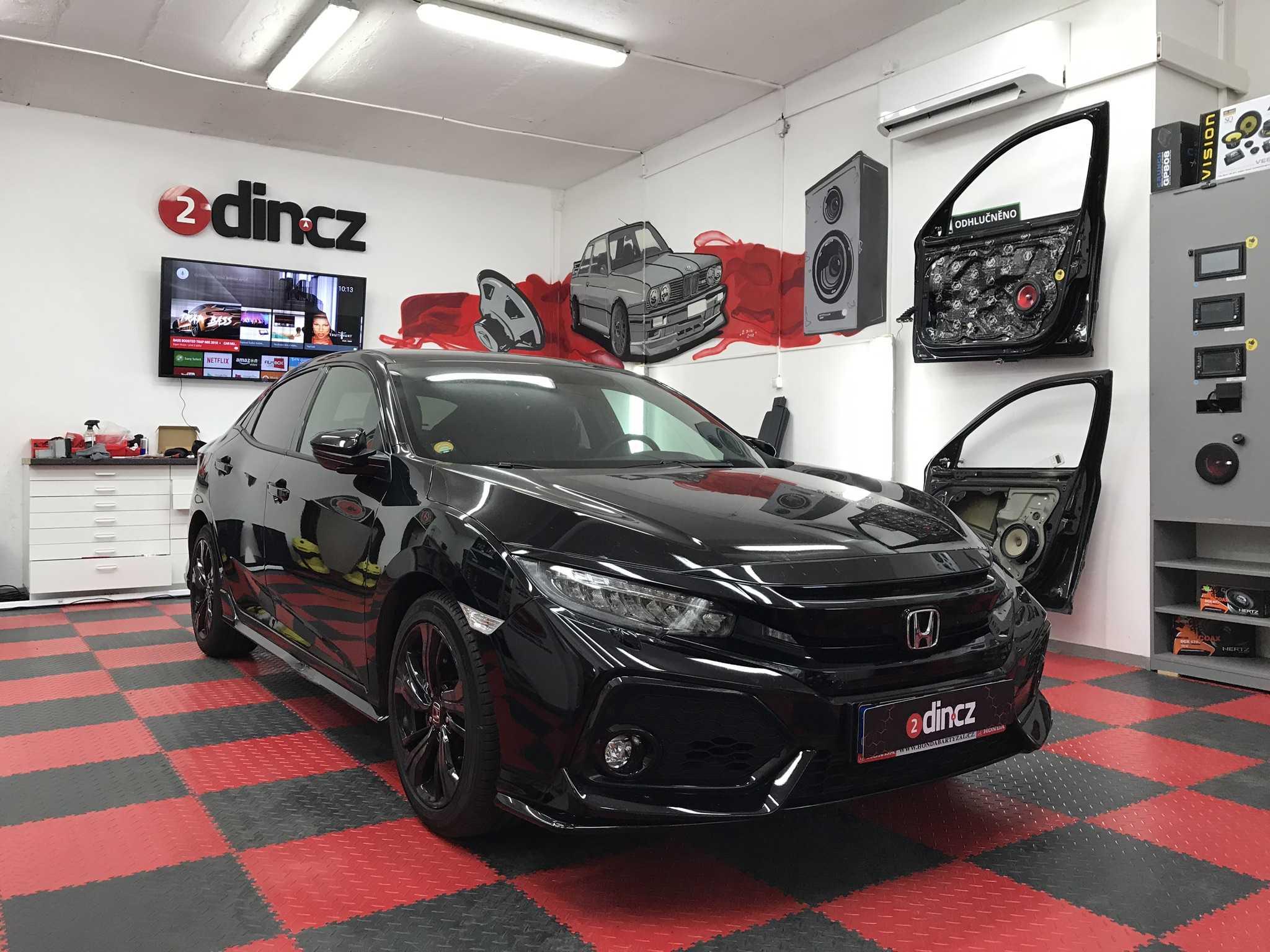 Honda Civic 10g - Odhlučnění a montáž reproduktorů