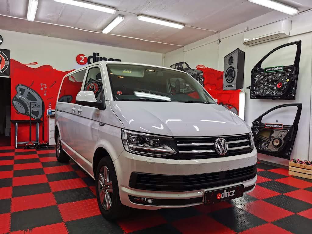 VW Multivan 6.1 - Montáž reproduktorů a odhlučnění dveří