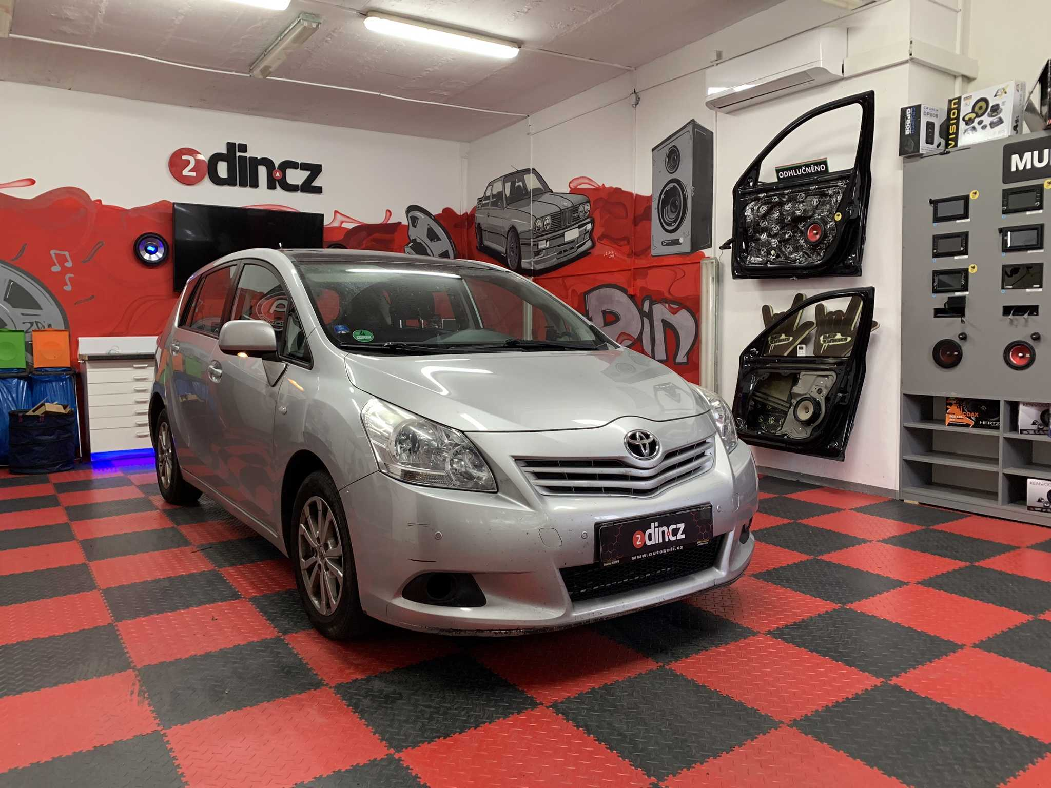 Toyota Verso - Výměna reproduktorů
