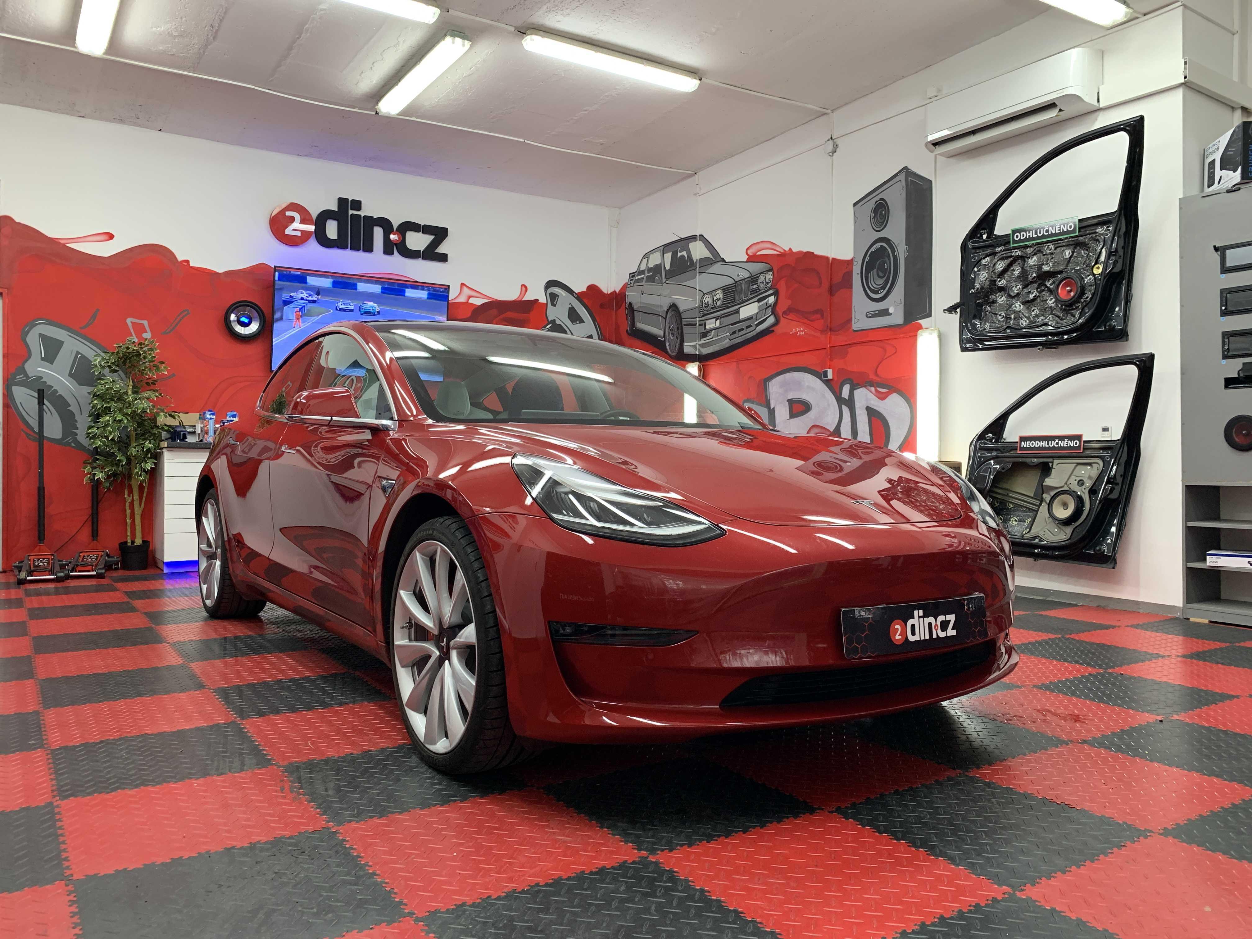 Tesla Model 3 - Kompletní odhlučnění