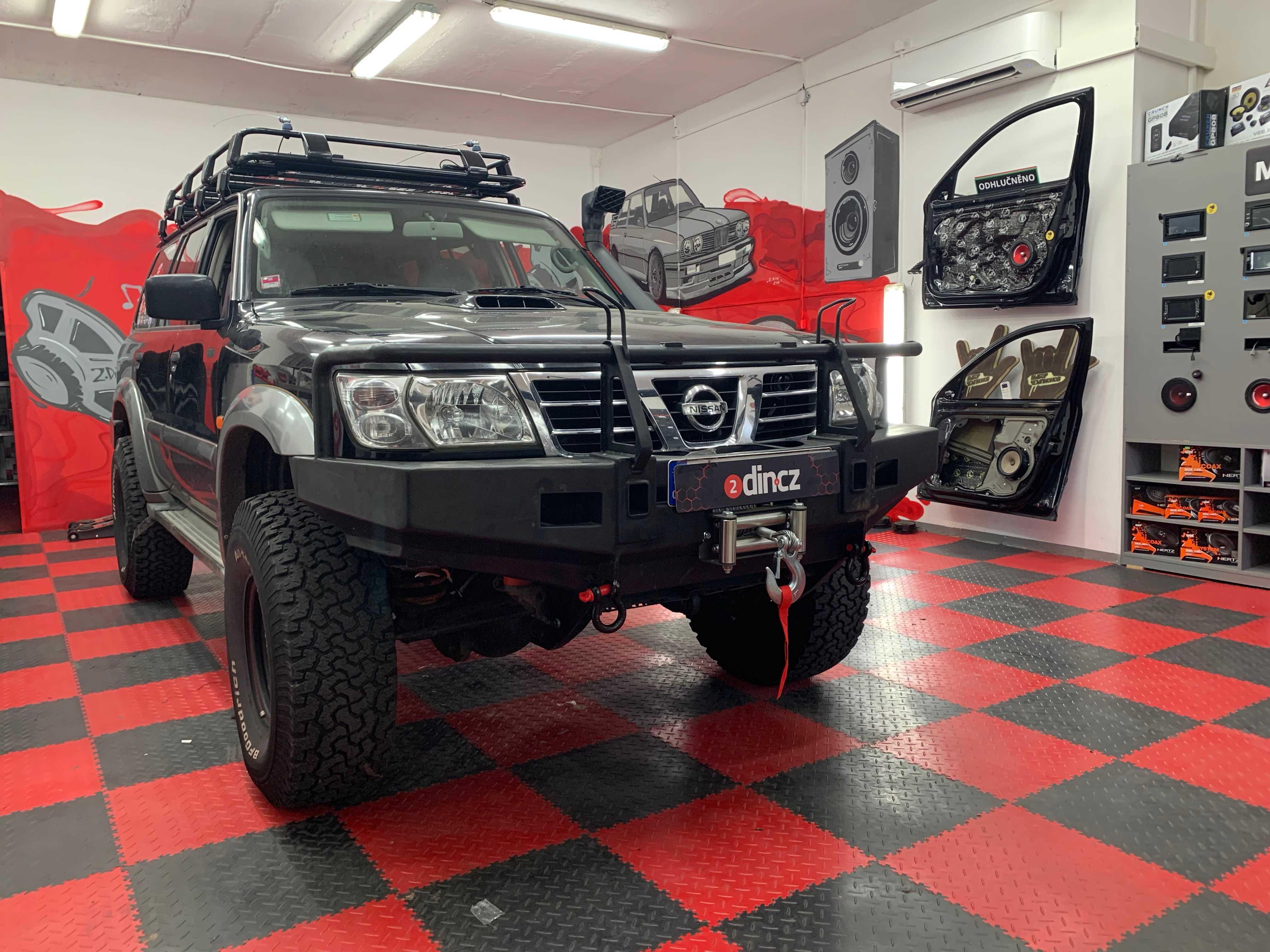 Nissan Patrol - Montáž 2din autorádia a výměna reproduktorů