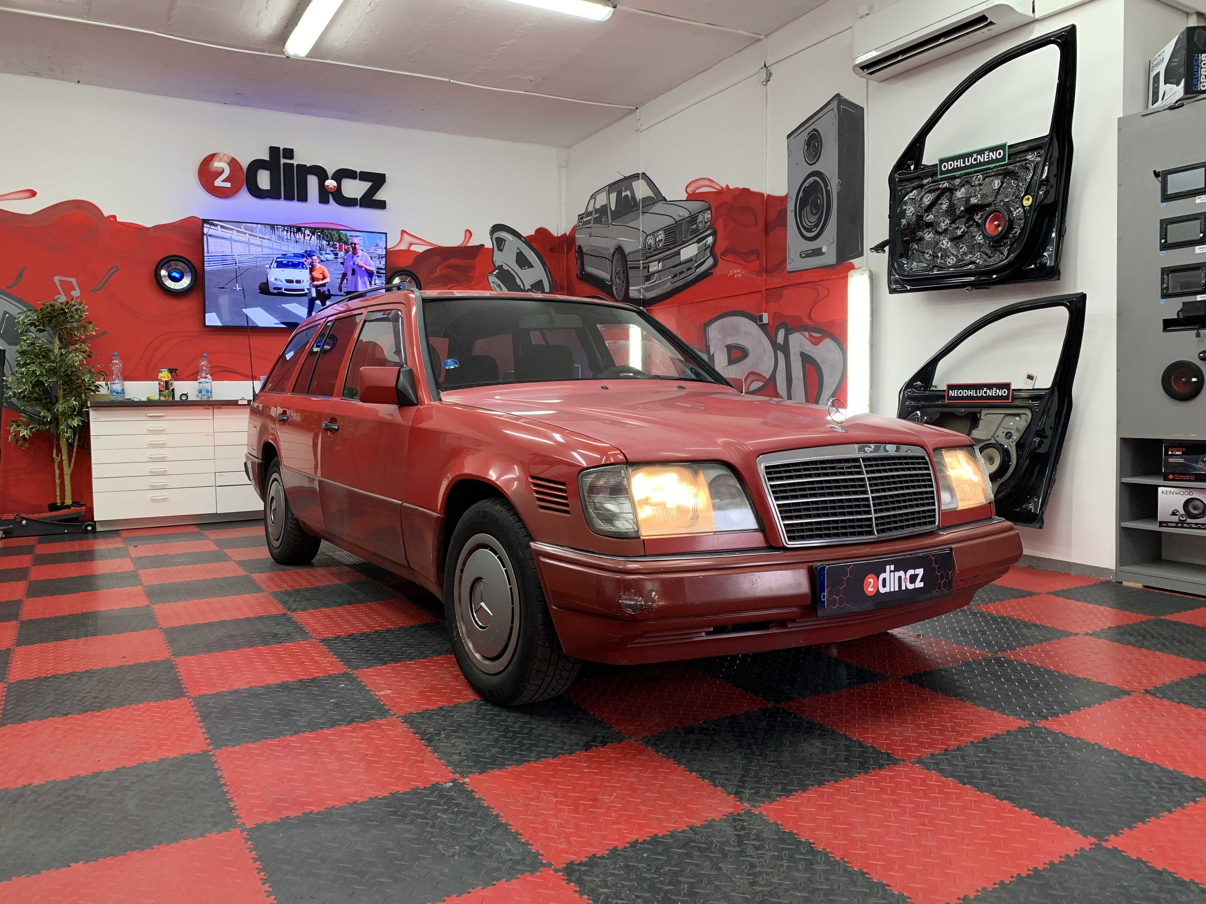 Mercedes Benz E - Výměna reproduktorů
