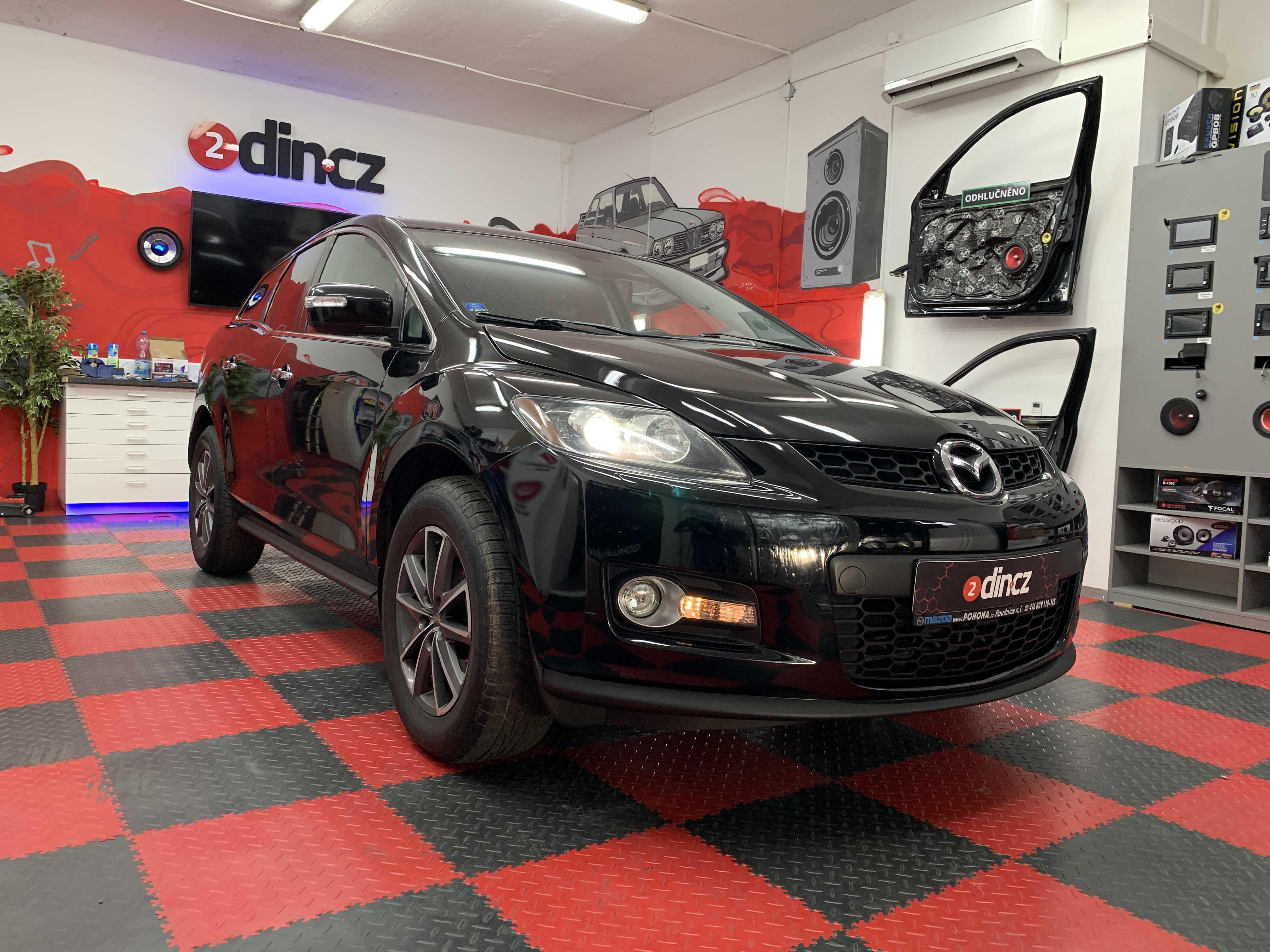 Mazda CX-7 - Výměna autorádia a couvací kamera