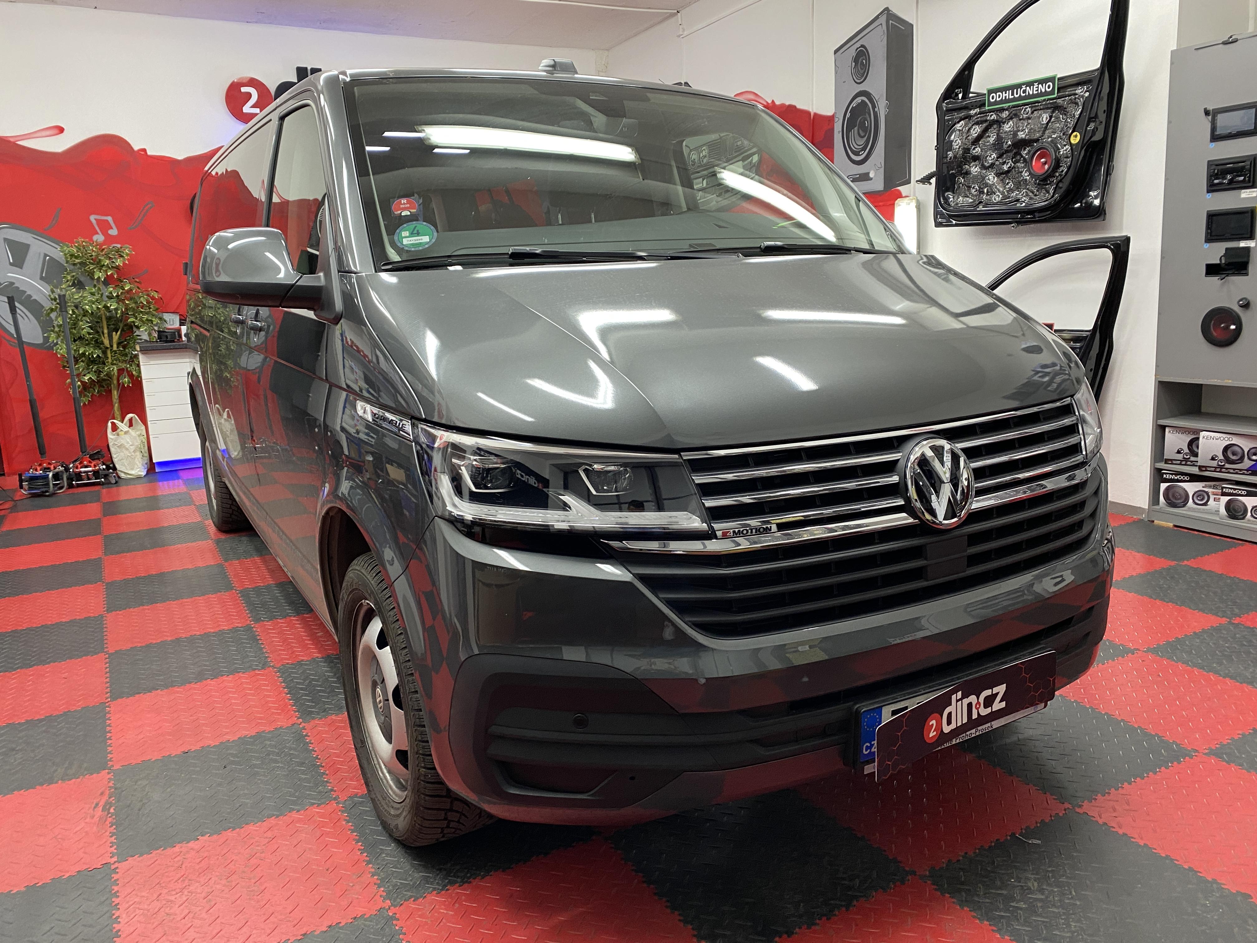 VW Caravelle 6.1 - Výměna reproduktorů a odhlučnění